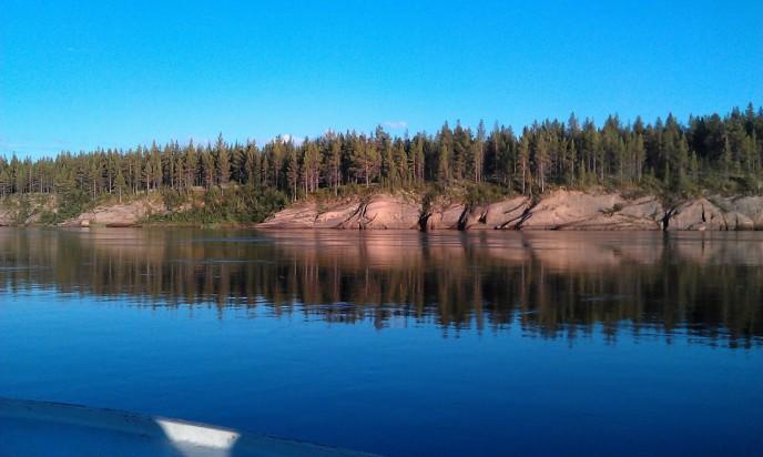 Рыбалка и рыболовные туры на Кольский полуостров. река Поной лагерь Пача