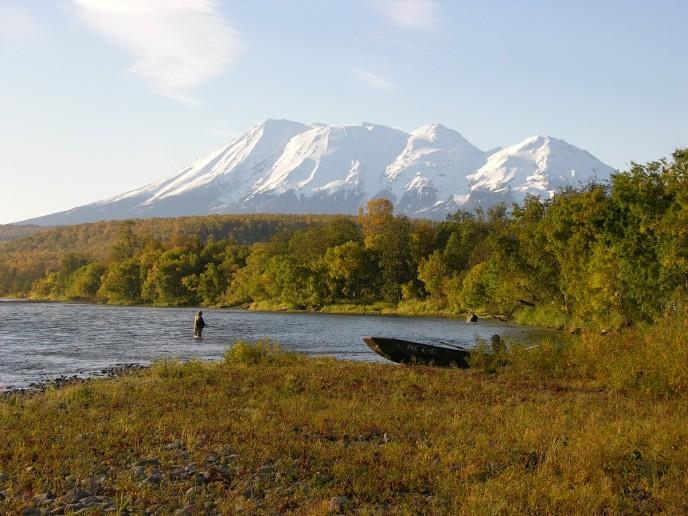 Рыбалка и рыболовные туры Камчатка река Жупанова база Дзензур