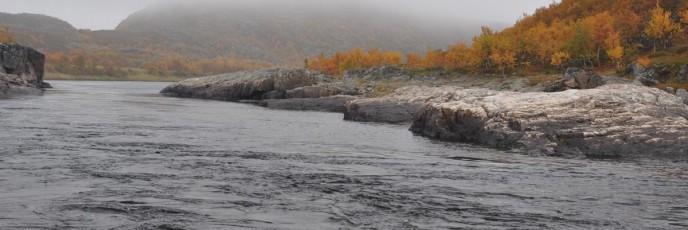 река Харловка Кольский полуостров осень 2010.
