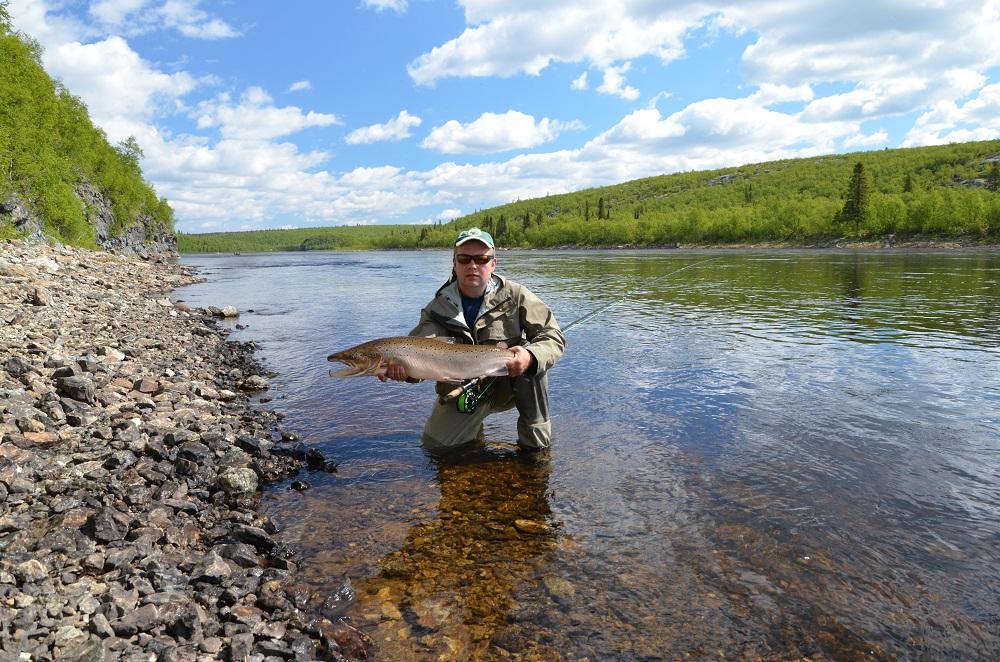 Рыбалка и рыболовные туры река Поной, лагерь Ача