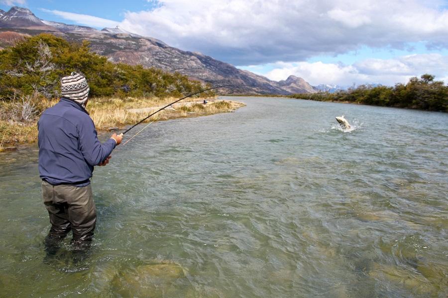 fishing-glacier-king-solid-adventures-jump