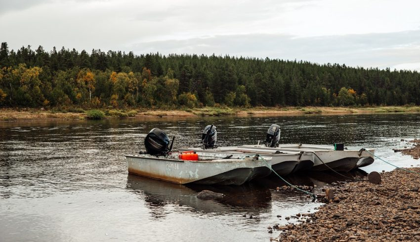 рыбалка на Поное лагерь Пача. Лодки и моторы